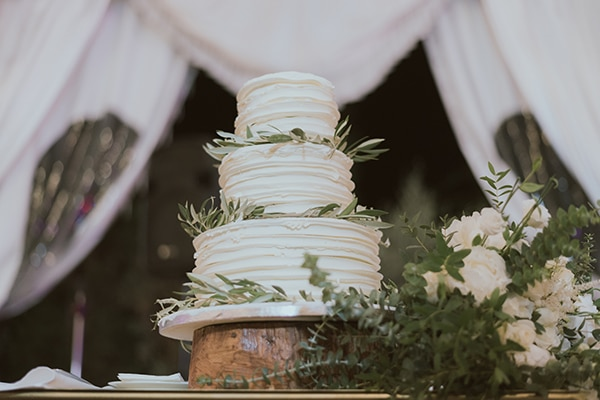 modern-romantic-wedding-white-hues_22