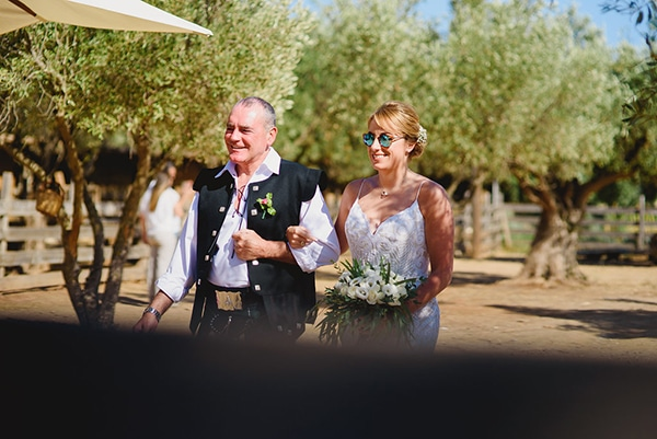natural rustic wedding Greece-18