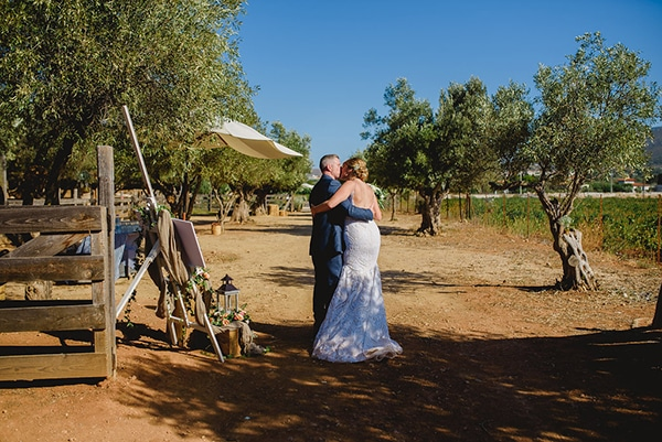 natural rustic wedding Greece-24x