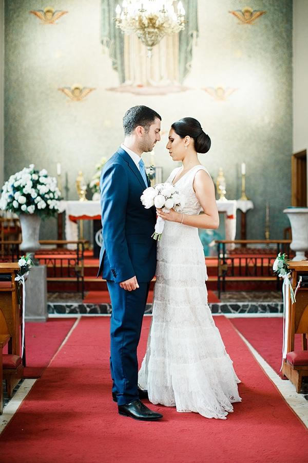 romantic-wedding-white-flowers_22x
