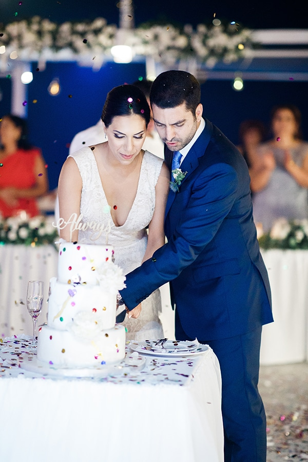 romantic-wedding-white-flowers_27