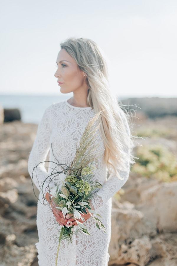 romantic-prewedding-beach-shoot_02x