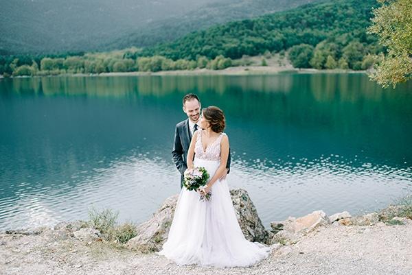 beautiful-summer-wedding-vivid-colors_05x