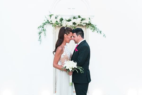 beautiful-summer-wedding-white-hues_01x