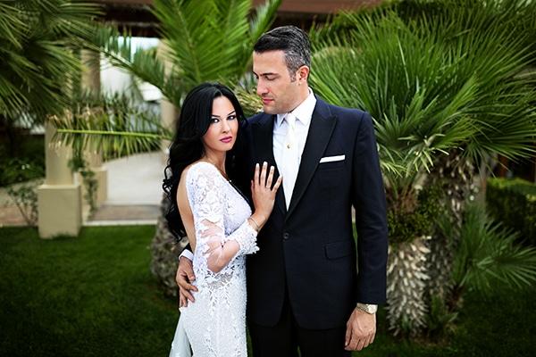 Elegant chic γαμος με κυριαρχο χρωμα το λευκο  0886be777ad