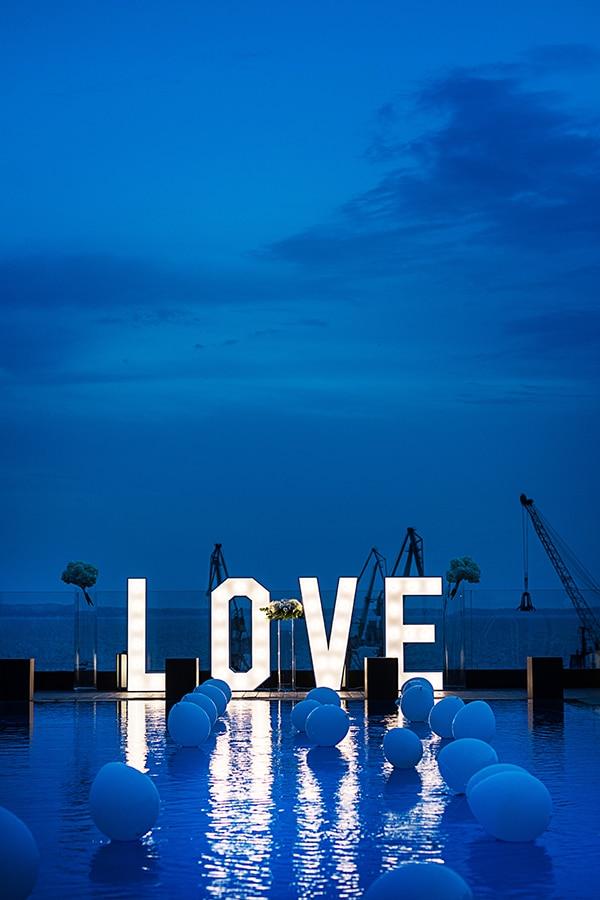 elegant-chic-wedding-main-colour-white_27