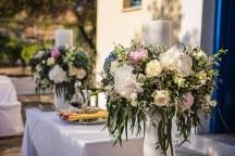 Ομορφες λαμπαδες με μπουκετα λουλουδιων