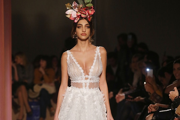 "af81f510dc69 Εντυπωσιακο bridal show της νυφικης συλλογης ""Fairy"""