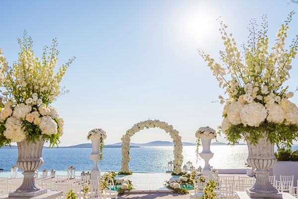 impressive-wedding-white-flowers-mykonos_07