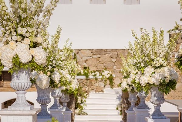 impressive-wedding-white-flowers-mykonos_10