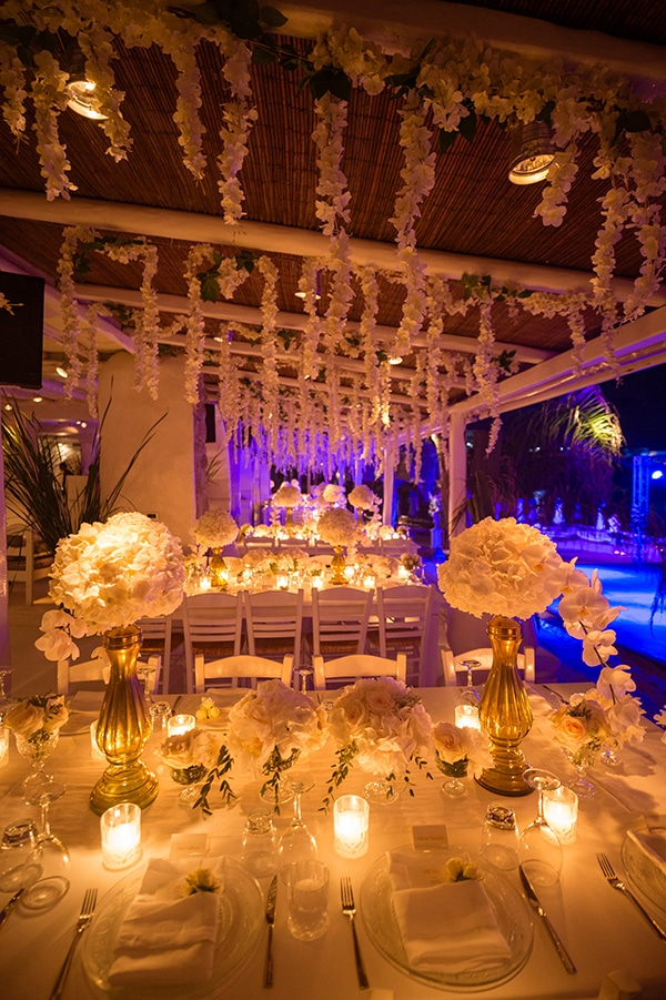 impressive-wedding-white-flowers-mykonos_23