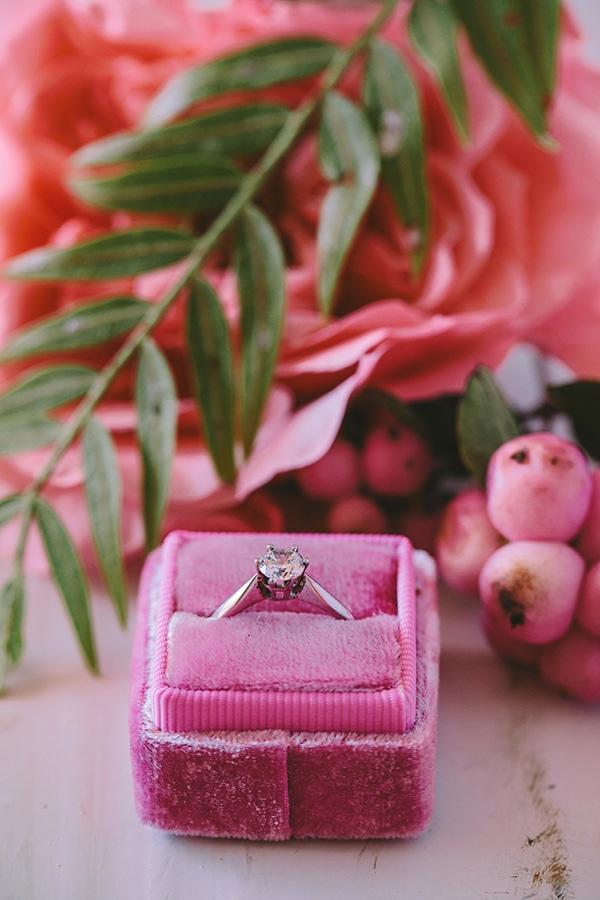 lavish-bridal-shoot-prettiest-flowers_15