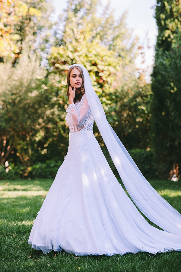 lavish-bridal-shoot-prettiest-flowers_24