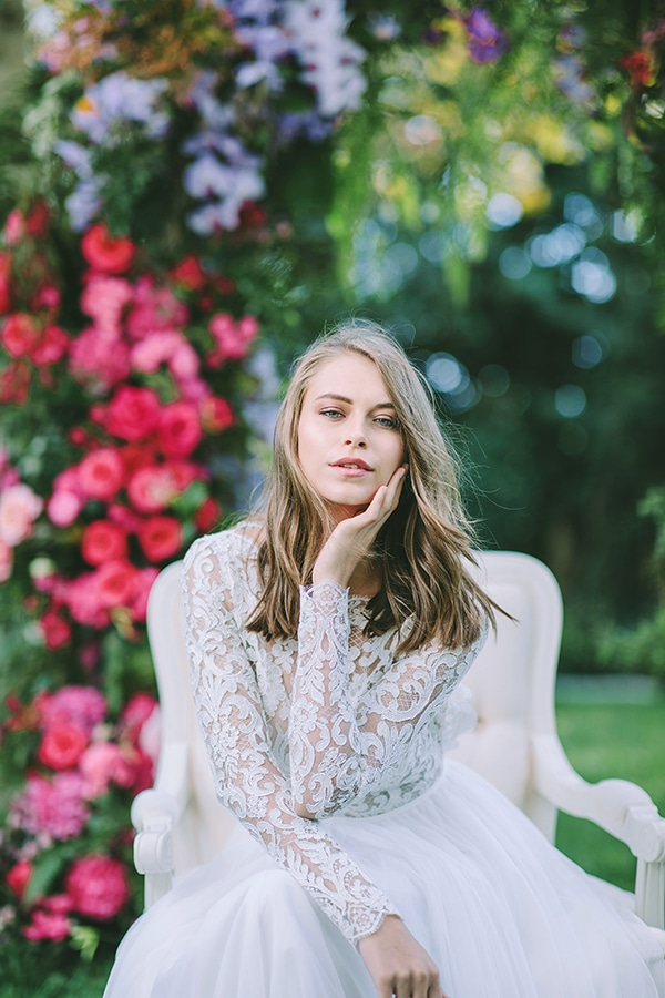 lavish-bridal-shoot-prettiest-flowers_30