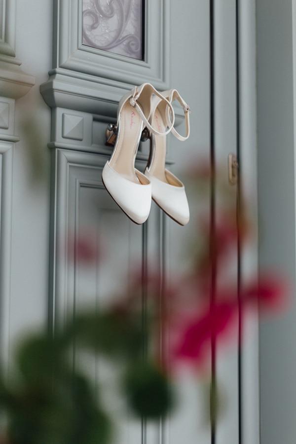 romantic-summer-wedding-white-gold-details_03