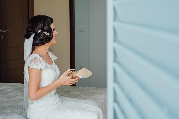 romantic-summer-wedding-white-gold-details_04