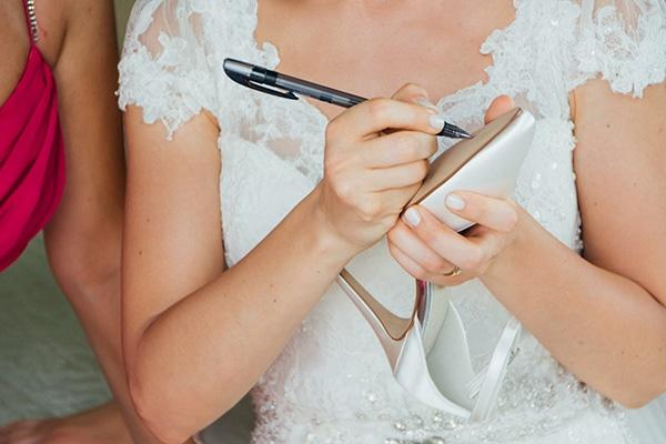 romantic-summer-wedding-white-gold-details_05