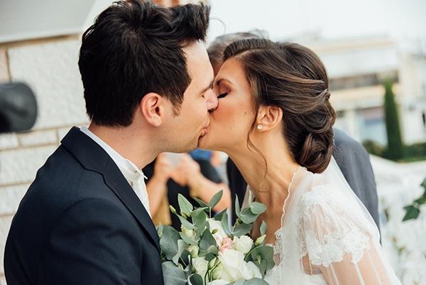 romantic-summer-wedding-white-gold-details_16