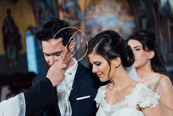romantic-summer-wedding-white-gold-details_17