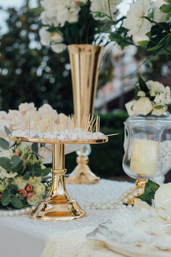 romantic-summer-wedding-white-gold-details_20