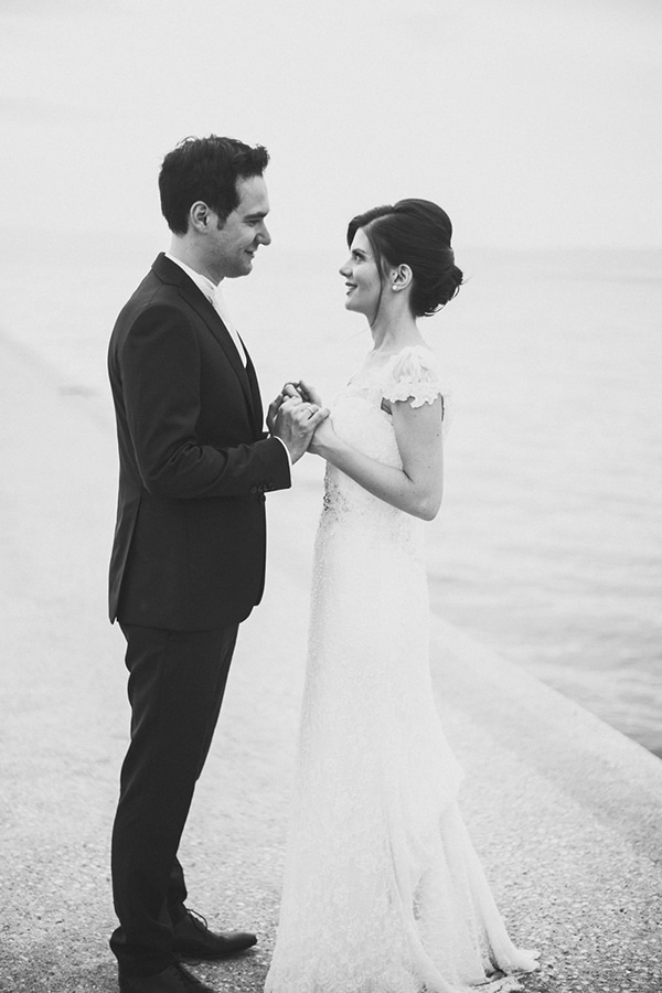 romantic-summer-wedding-white-gold-details_23