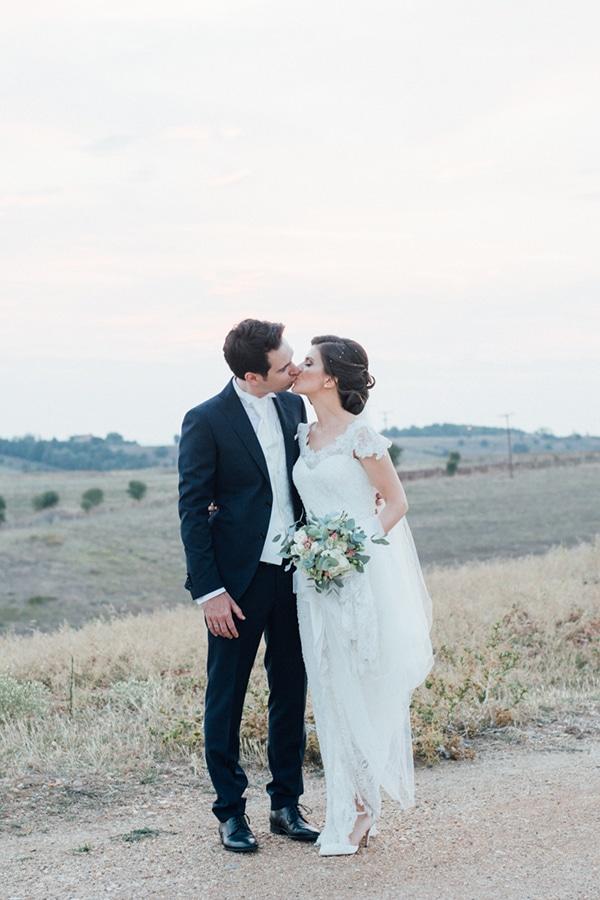 romantic-summer-wedding-white-gold-details_24