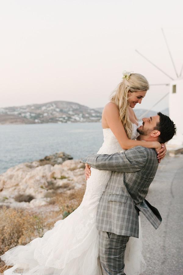 romantic-wedding-island-white-flowers_28