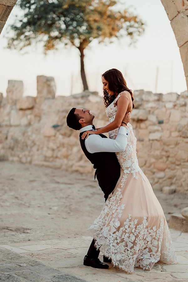 beautiful-rustic-summer-wedding-paphos_02