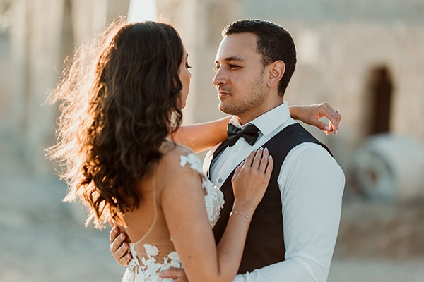 beautiful-rustic-summer-wedding-paphos_02x
