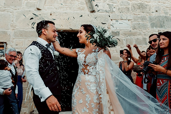 beautiful-rustic-summer-wedding-paphos_49