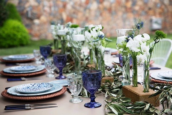 beautiful-shoot-details-blue-white_01