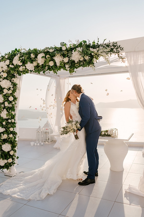 romantic-dreamy-wedding-santorini_22