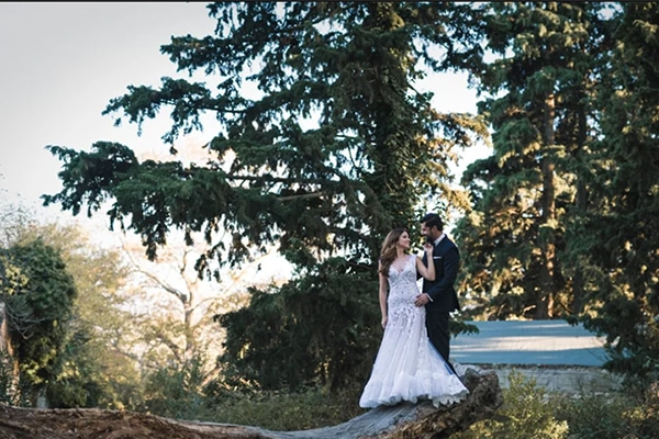 8fdc3a5f1bed Ρομαντικο video γαμου στη Σαλαμινα