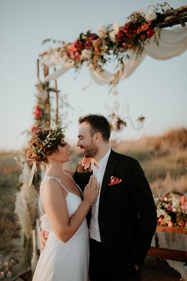 summer-fairytale-wedding-rustic-details_02x