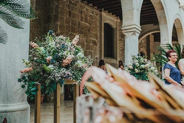 summer-fairytale-wedding-vivid-colors_13