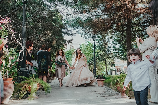 summer-fairytale-wedding-vivid-colors_13X