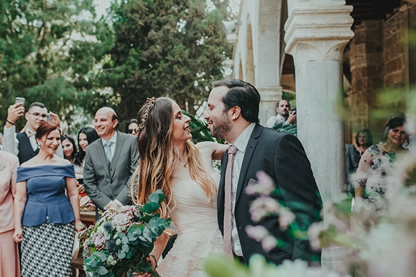summer-fairytale-wedding-vivid-colors_15