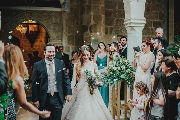 summer-fairytale-wedding-vivid-colors_19