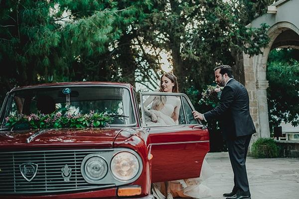 summer-fairytale-wedding-vivid-colors_23