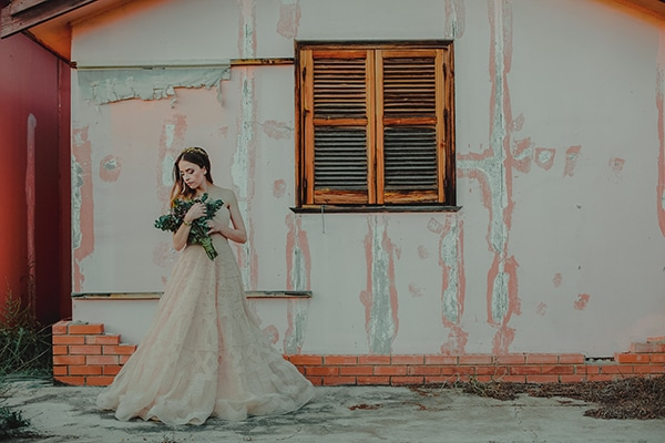 summer-fairytale-wedding-vivid-colors_47