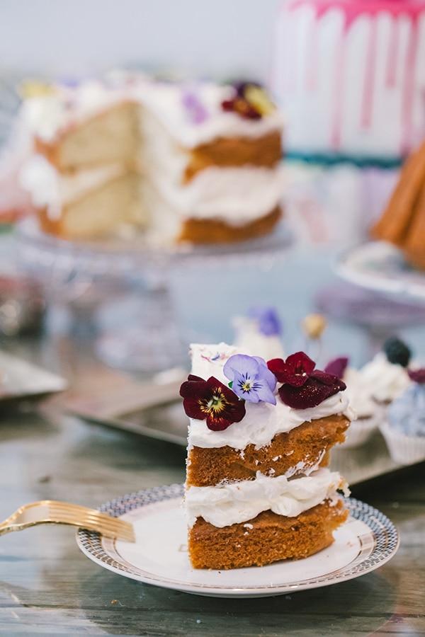 unique-sweet-creations-edible-flowers_04