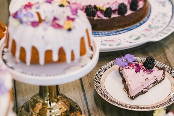unique-sweet-creations-edible-flowers_05