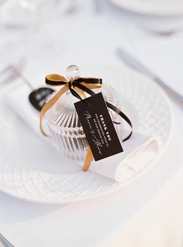 elegant-white-gold-black-details_24