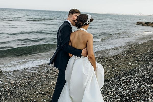 beautiful-beach-wedding-white-green-hues_03