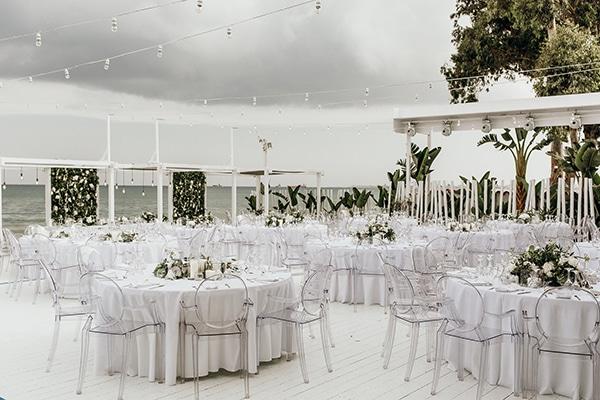 beautiful-beach-wedding-white-green-hues_19