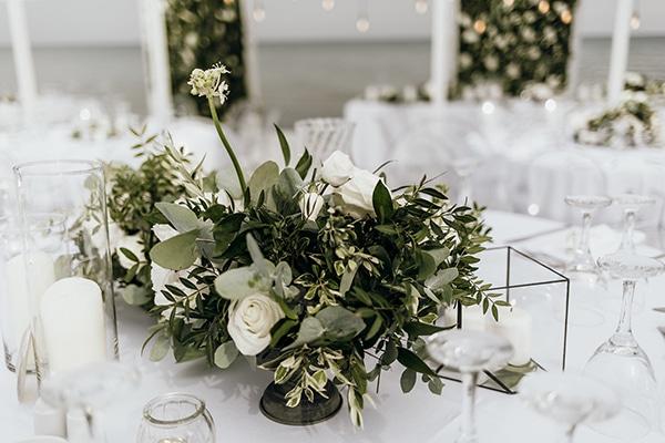 beautiful-beach-wedding-white-green-hues_20