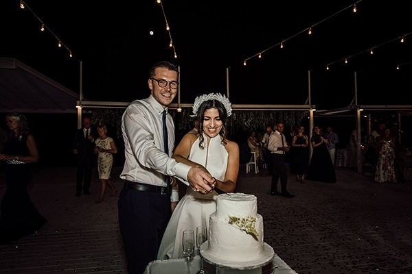 beautiful-beach-wedding-white-green-hues_37