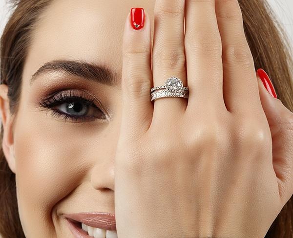 beautiful-impressive-engagement-rings_04