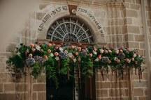 Πανεμορφος στολισμος εκκλησιας