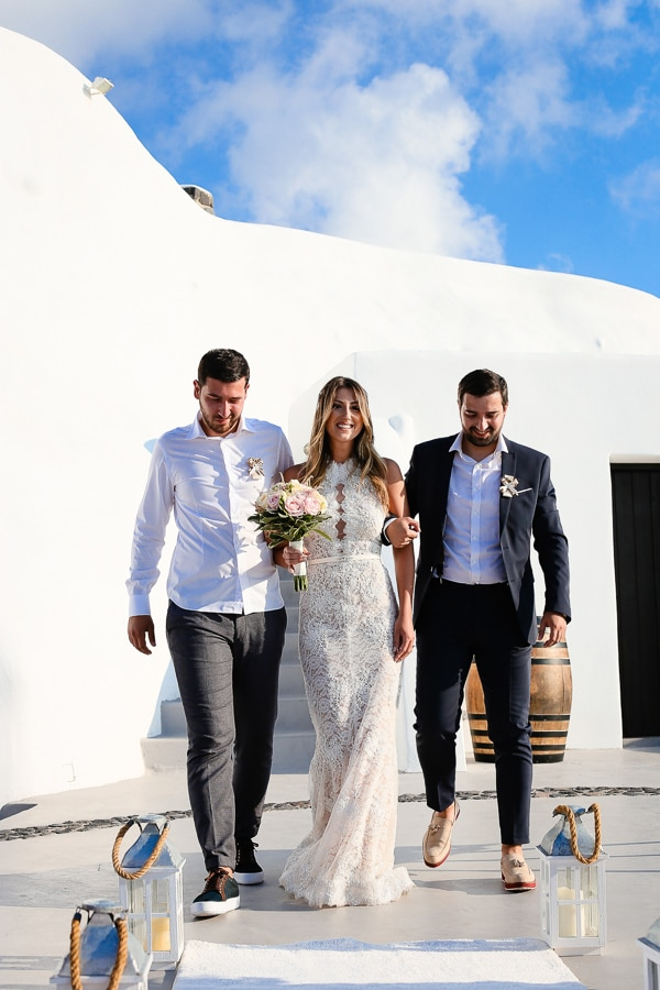 romantic-summer-wedding-idyllic-santorini_12